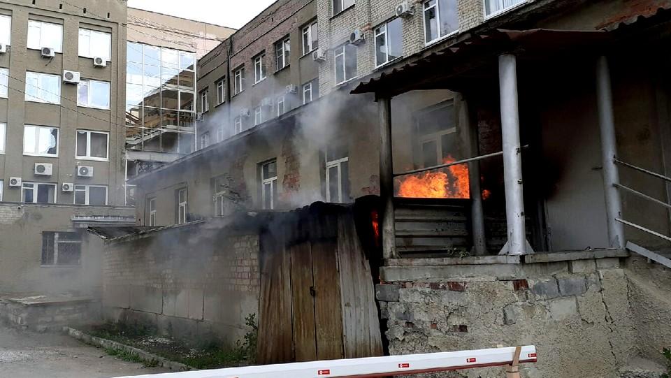 Пожар в центре города: огонь, вода и странности