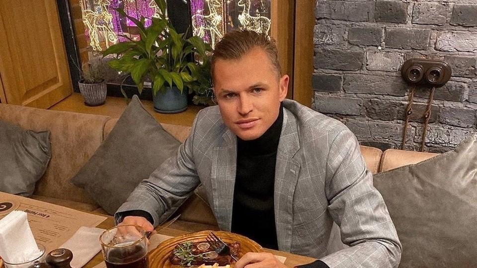 Бывший муж Ольги Бузовой Дмитрий Тарасов устроил пьяный дебош в самолете