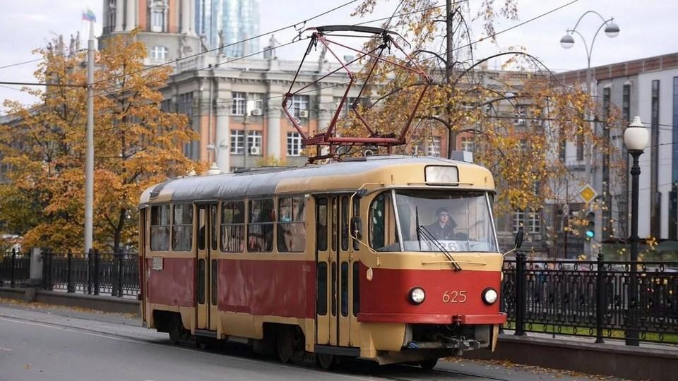 Правительство РФ учредило День работников транспорта