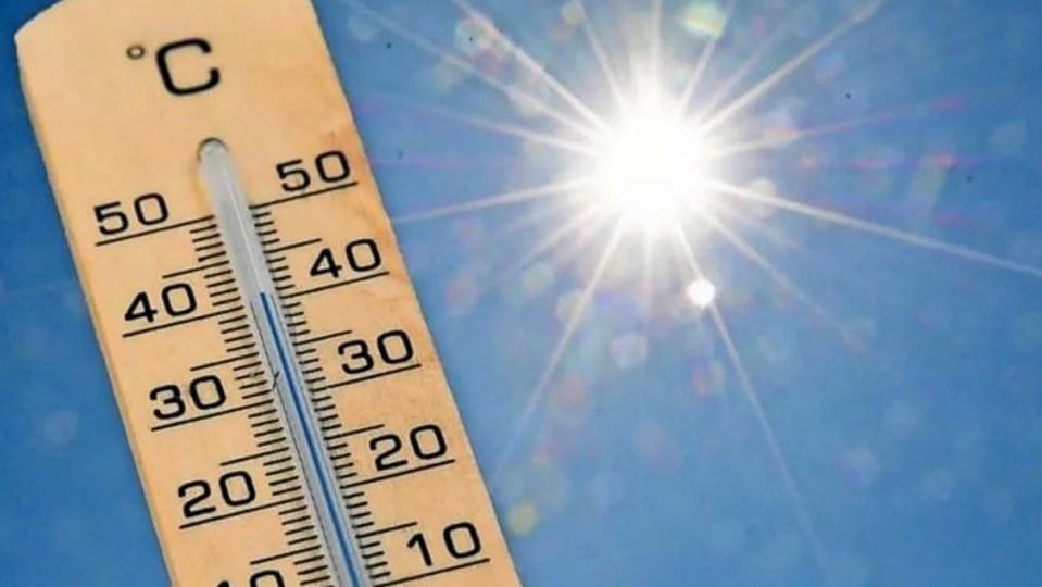 МЧС продлило предупреждение об аномальной жаре на Урале
