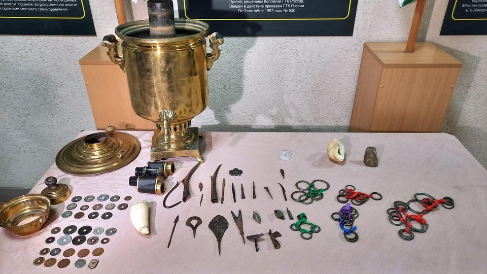 Уральская таможня пресекла попытку пересылки уникальной археологической коллекции в Китай