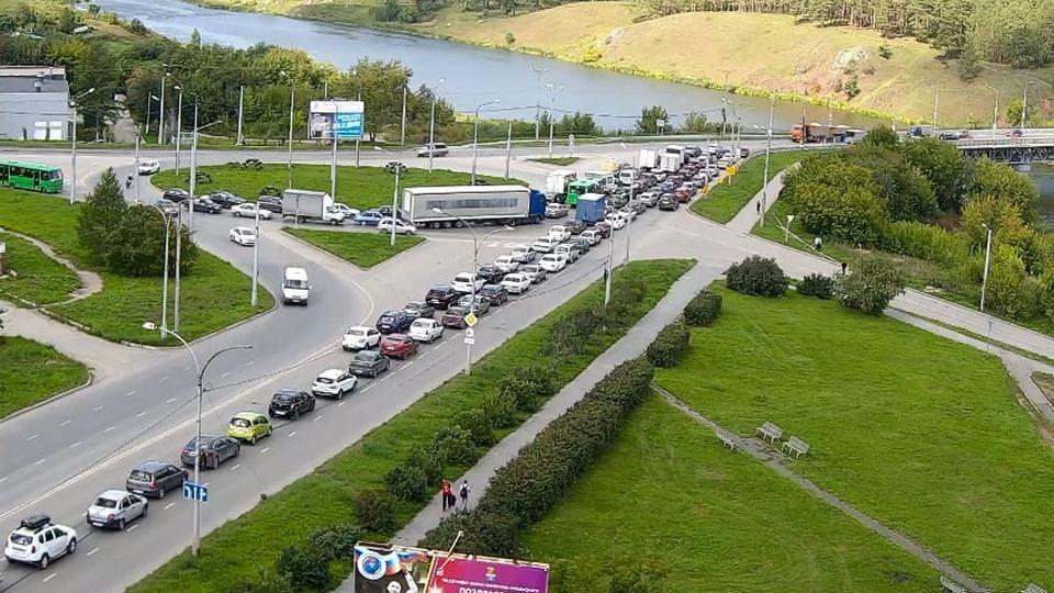 26 и 27 августа движение на Байновском мосту Каменска-Уральского будет ограничено