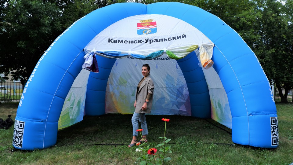 Две новые палатки появились у Центра развития туризма Каменска-Уральского