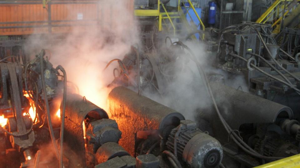СинТЗ провел капремонт и модернизацию оборудования трубопрокатного агрегата ТПА-80 в трубопрокатном цехе №3