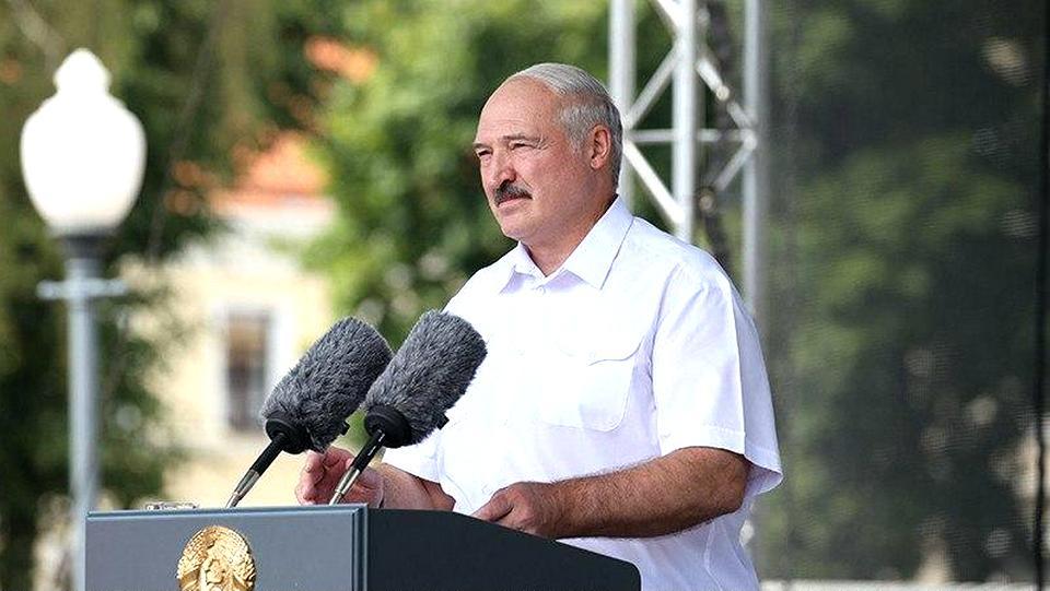 Лукашенко призвал с понедельник остановить работу бастующих предприятий
