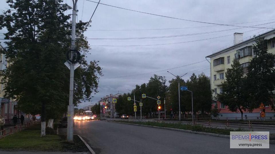 В Каменске-Уральском начал работать новый светофор по улице Кунавина