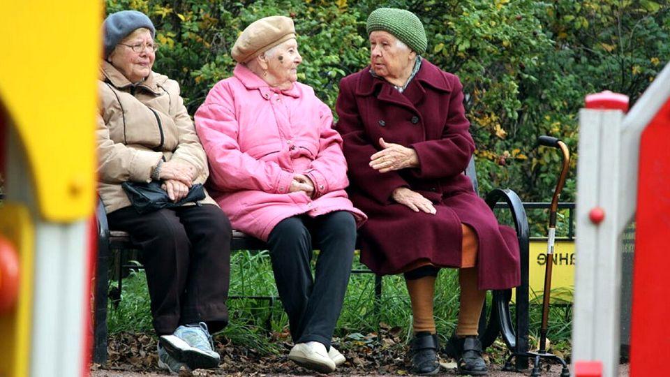 Выплаты пенсионерам к Дню пожилого человека будут определять региональные власти