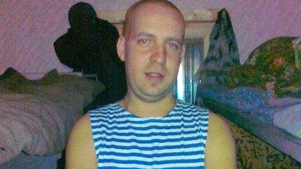 В Москве неадекватный мужчина ударил полицейского ломом по голове