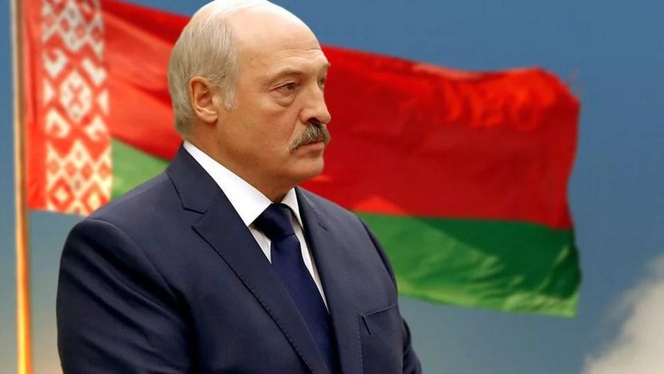 Лукашенко предложил изменить Конституцию Белоруссии