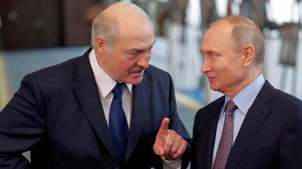Самым запомнившимся подарком Лукашенко для Путина стали четыре мешка картошки