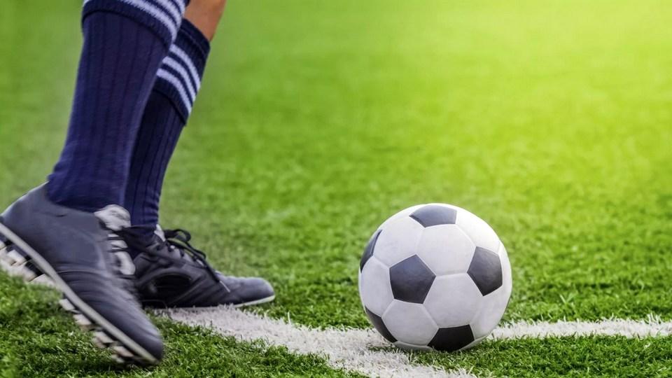 17-летний футболист умер во время матча в Москве