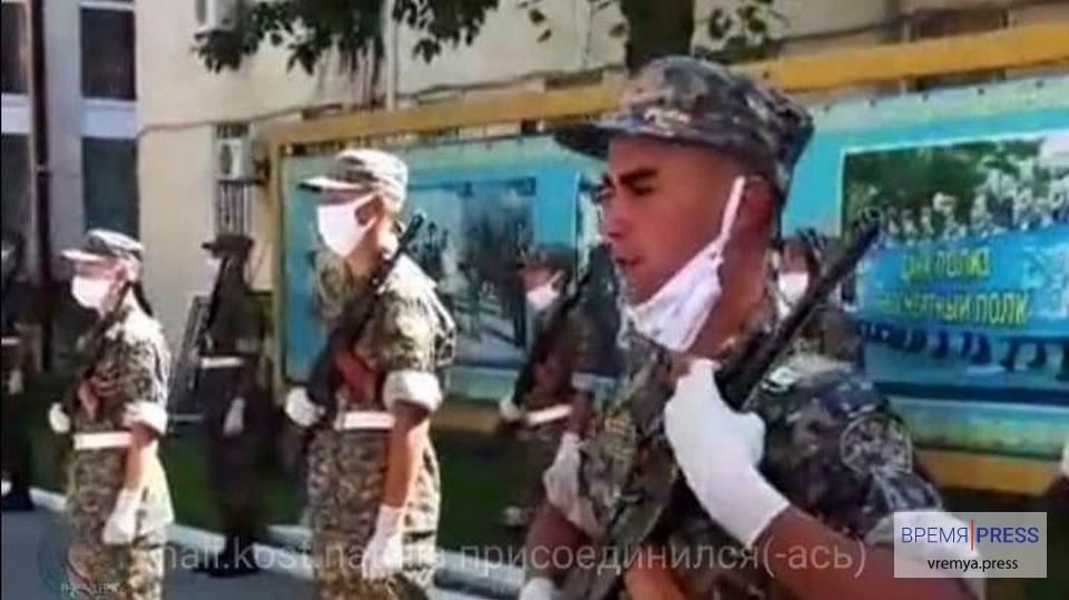 В Казахстане присяга призывников в армию транслируется он-лайн
