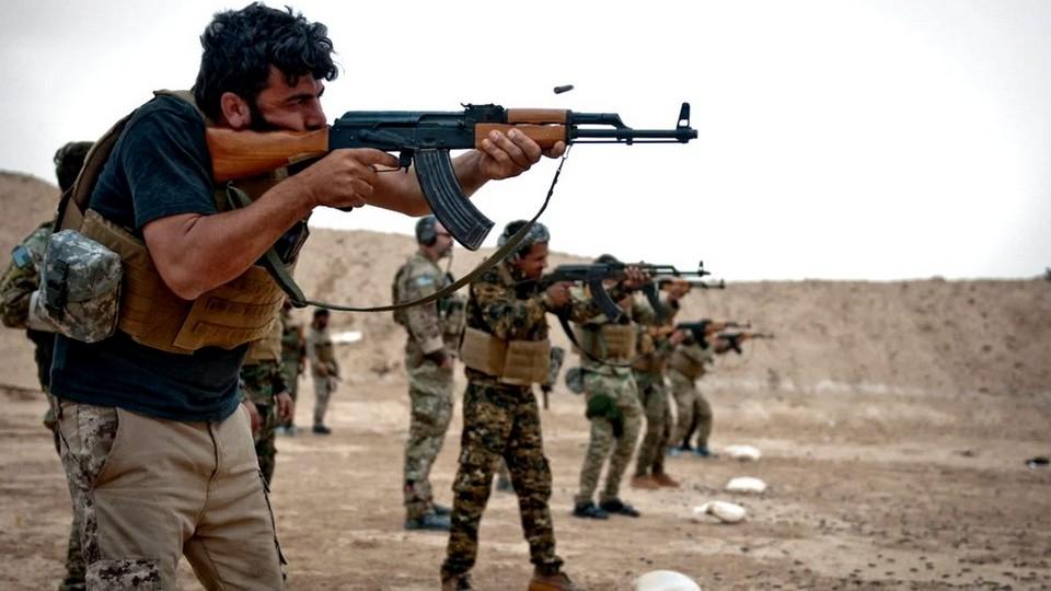 """Британские СМИ сообщают о вербовке сирийцев для выполнения """"охранных"""" задач в Азербайджане"""