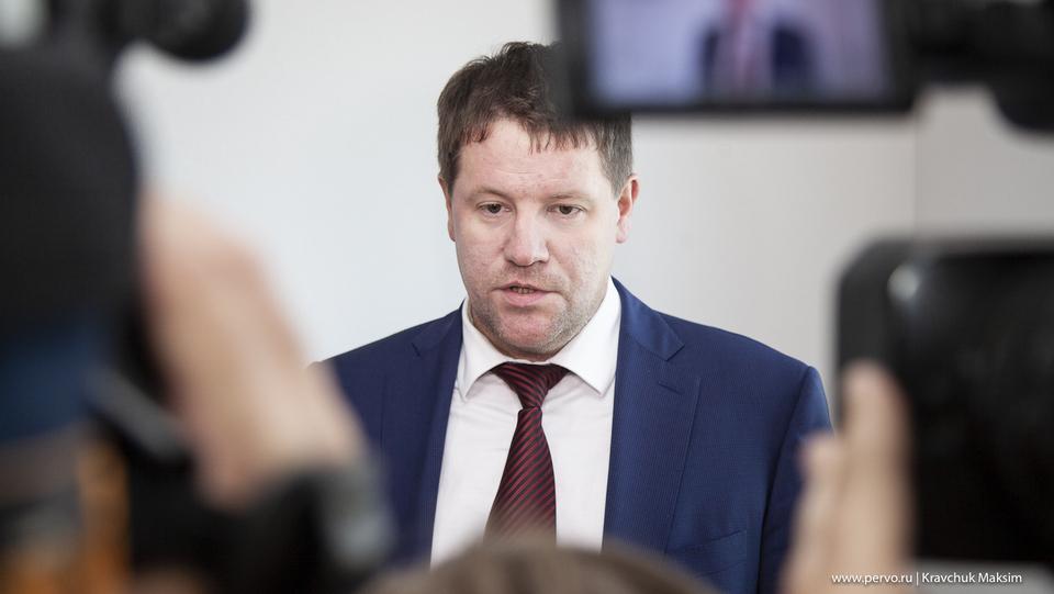 Вице-губернатор Бидонько посмеялся над обвинениями бывшего депутата Заксобрания Свердловской области Сергея Семеновых.