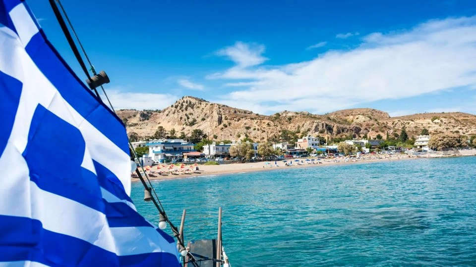 Греция отменила обязательный карантин для туристов из России с 26 апреля