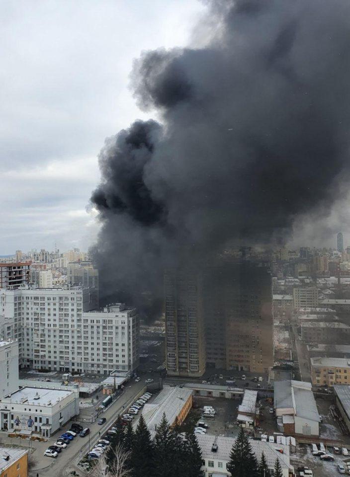 Крупный пожар в Екатеринбурге потушили