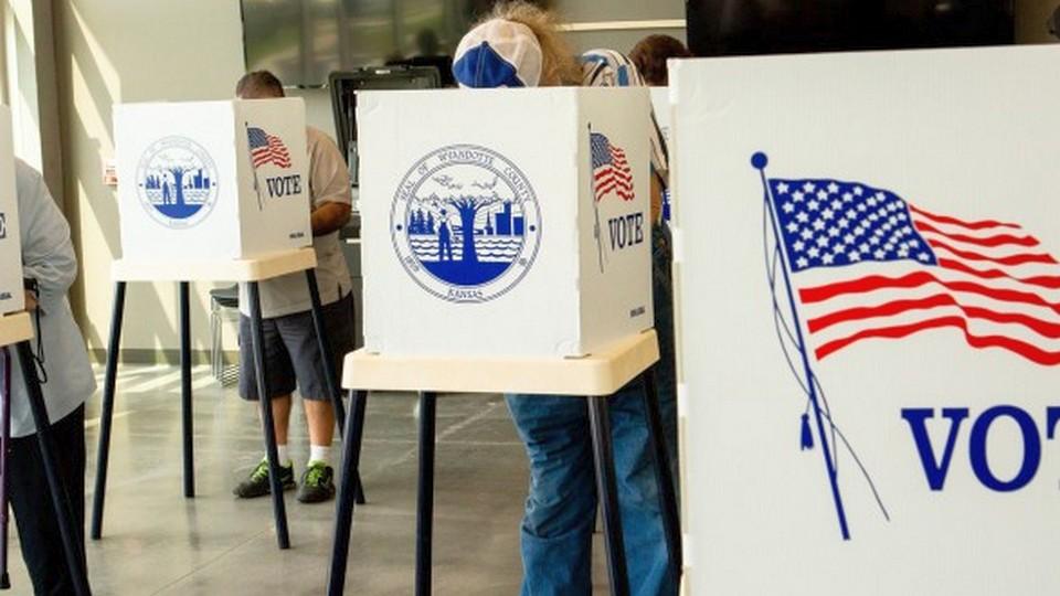 Американские избиратели бреются налысо для повторного голосования на выборах президента