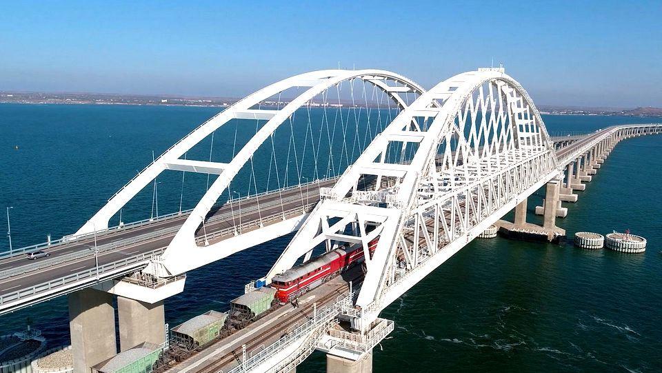 Евросоюз добавили в санкционный список строителей Крымского моста