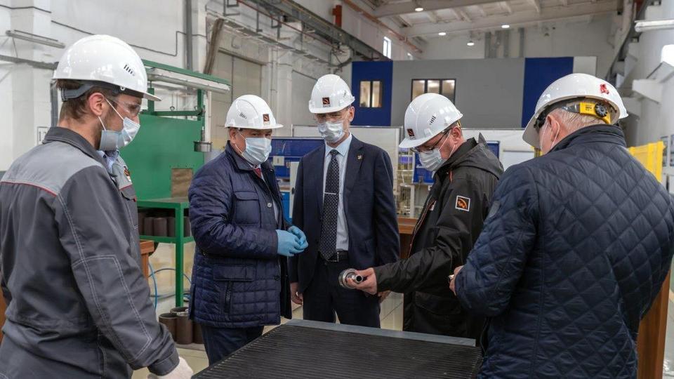 Министр образования и молодежной политики Свердловской области Юрий Биктуганов оценил учебный полигон СинТЗ