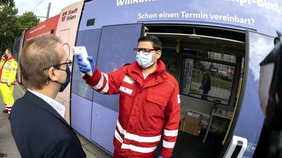 В Вене появился Трамвай прививок