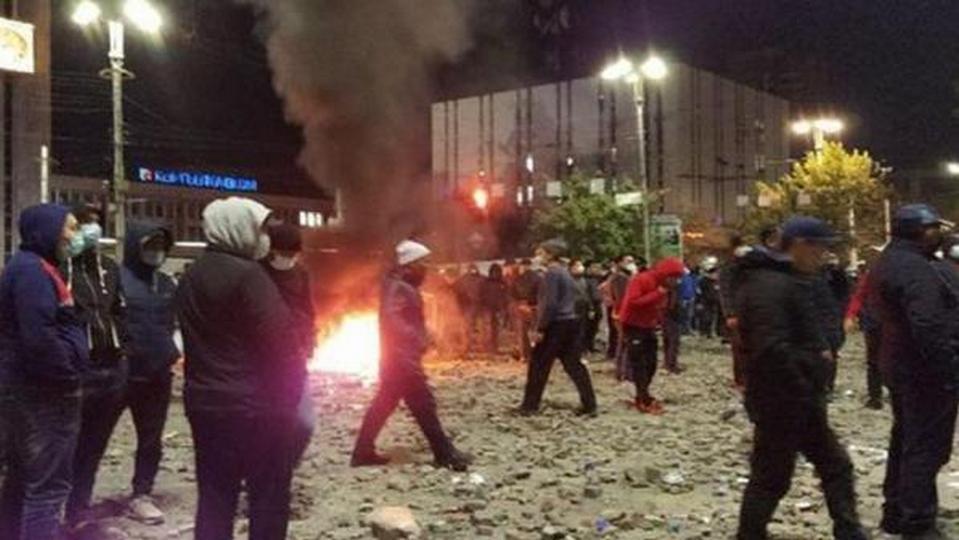 Жээнбеков назвал произошедшее попыткой госпереворота в Киргизии