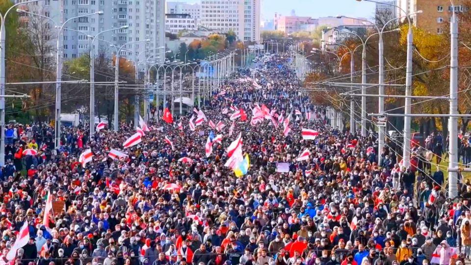 Милиция Белоруссии задержала 280 граждан на массовых протестах 18 октября