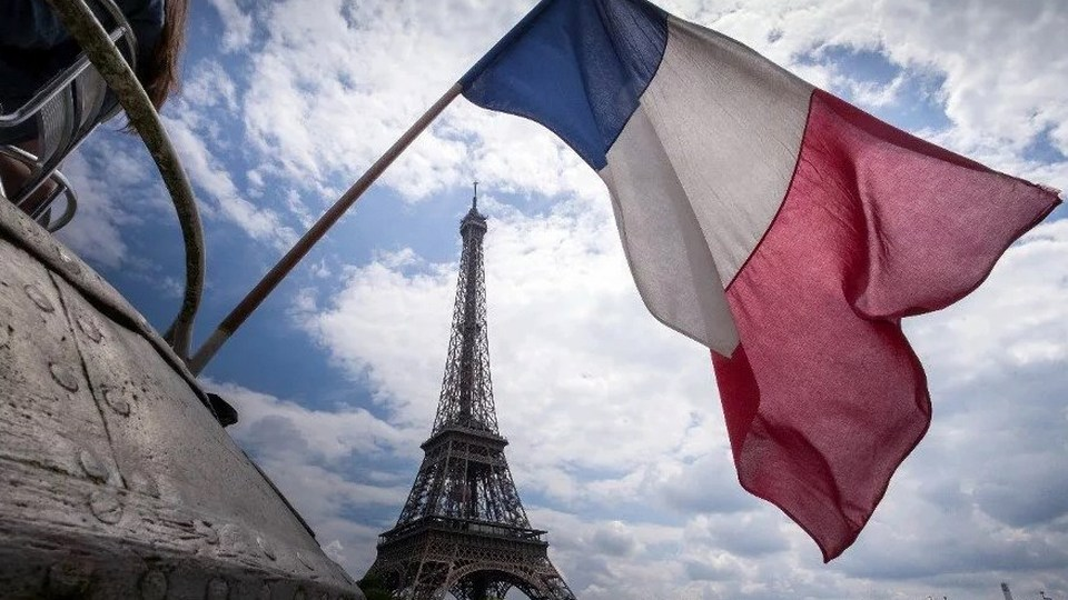 Во Франции прошла минута молчания в память об убитом учителе Самюэле Пати