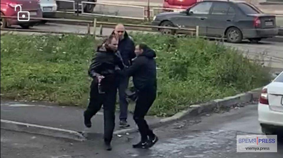 В Каменске-Уральском глава федерации бокса Ильдар Каримов спас женщину от наркомана