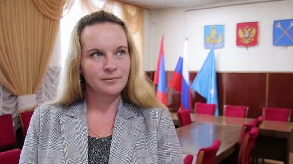 Ставшая главой села в Костромской области уборщица в отставку не уйдет