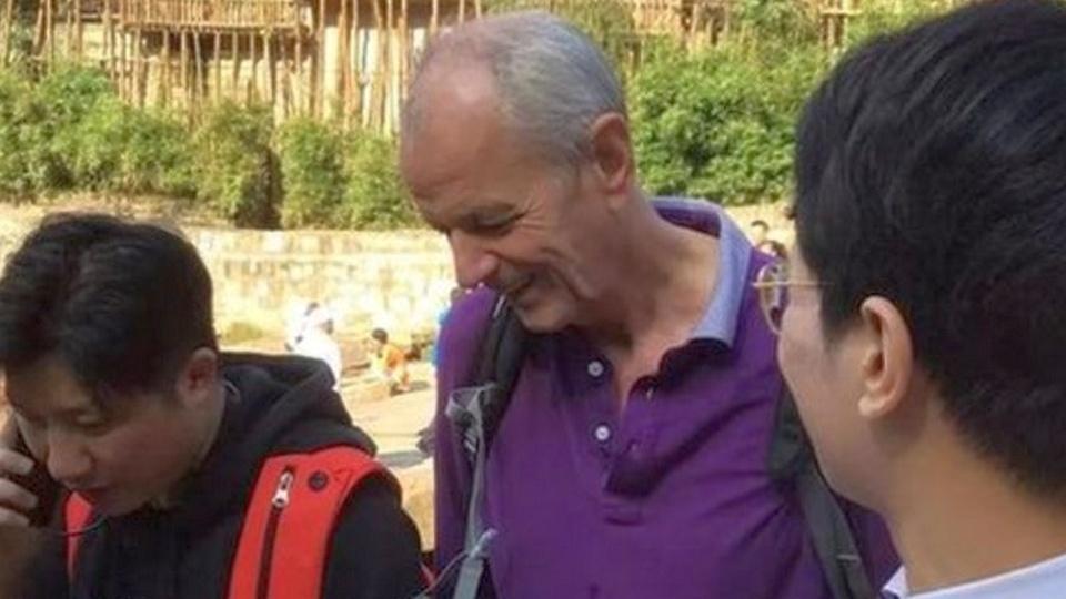 Генконсул Великобритании в Китае спас тонущую девушку