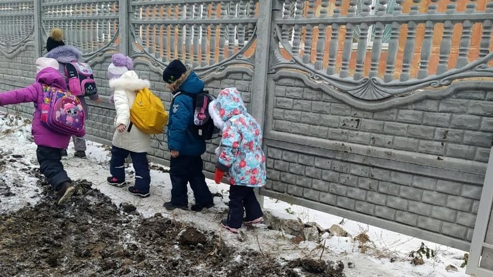 """Директор УК """"Теплокомплекс"""" прокомментировал раскопки у школы №20"""