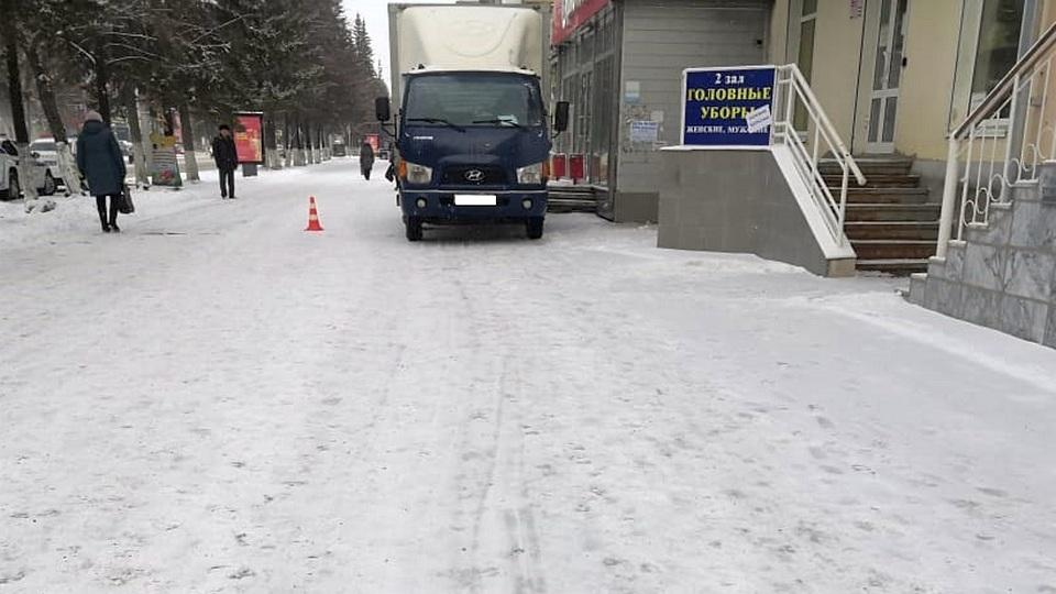 В Каменске-Уральском на тротуаре сбили 82-летнюю пенсионерку