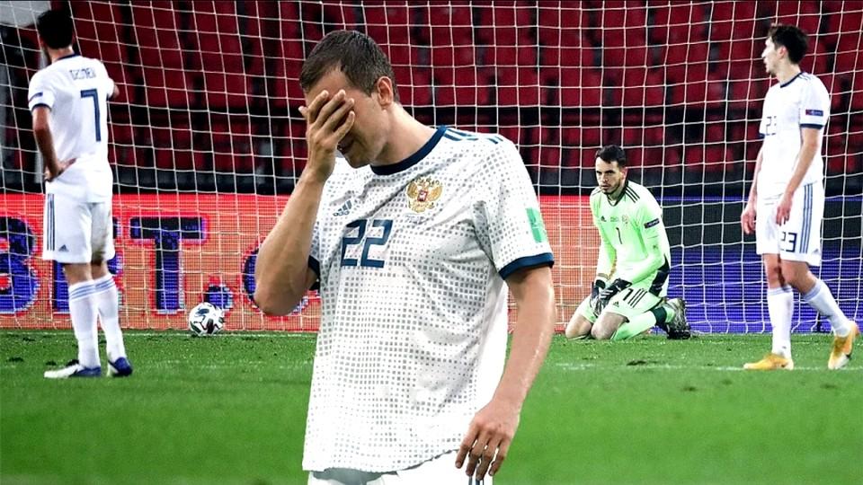 В РФС не рассматривают вопрос об увольнении главного тренера сборной России Станислава Черчесова