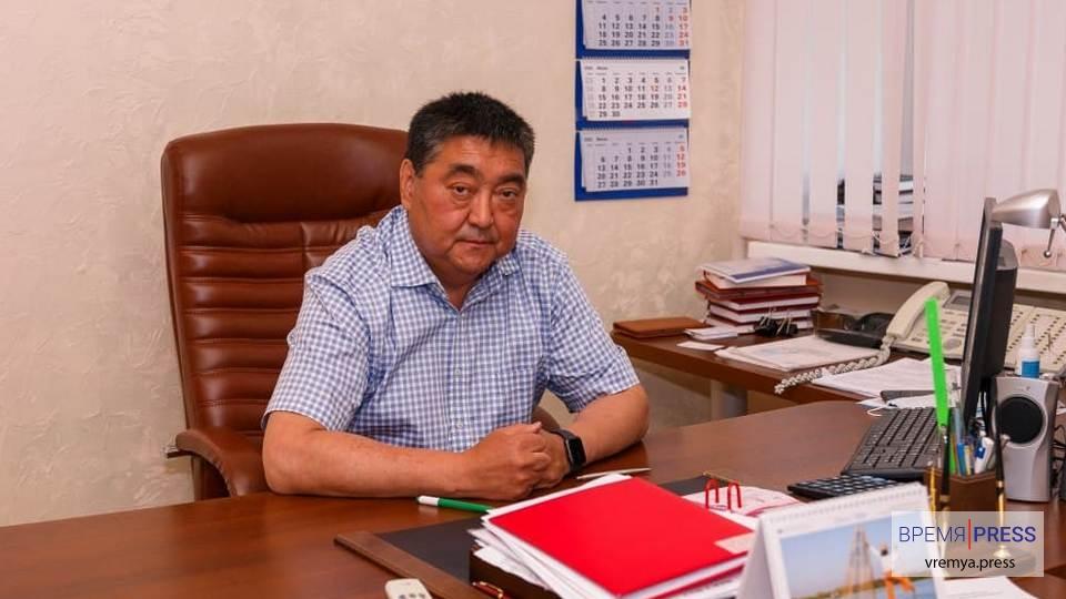Манарбек Чарипов ушёл с поста главврача Городской больницы Каменска-Уральского