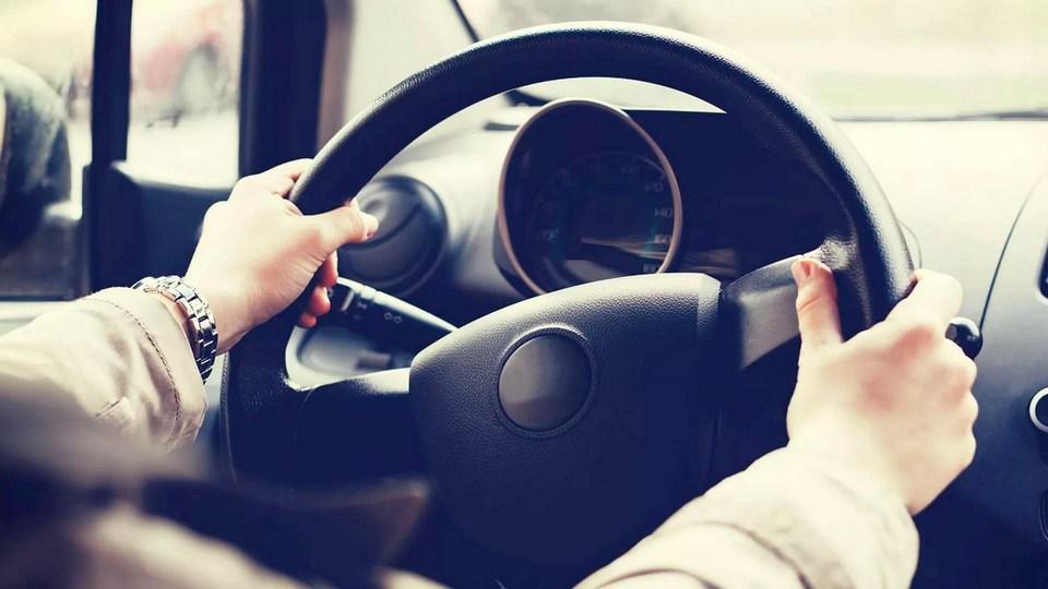 Управлять автомобилем с 17 лет могут разрешить в РФ