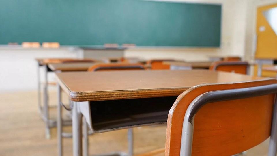 В Свердловской области идет дезинфекционная уборка школ