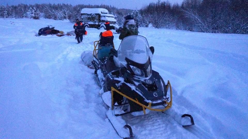 На севере Свердловской области ищут двух мужчин, провалившихся под лед
