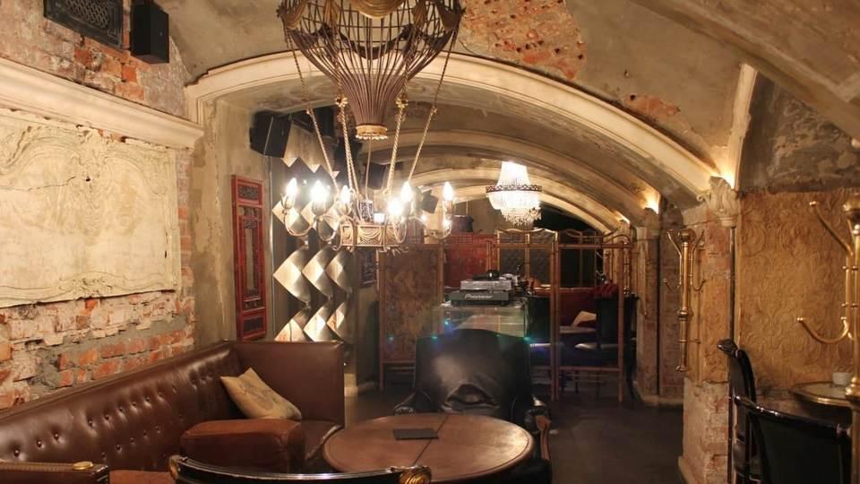 Московский бар Mendeleev могут оштрафовать за работу после 23:00