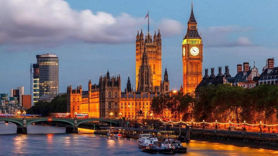 Акции британских fashion-брендов обвалились из-за нового штамма COVID-19