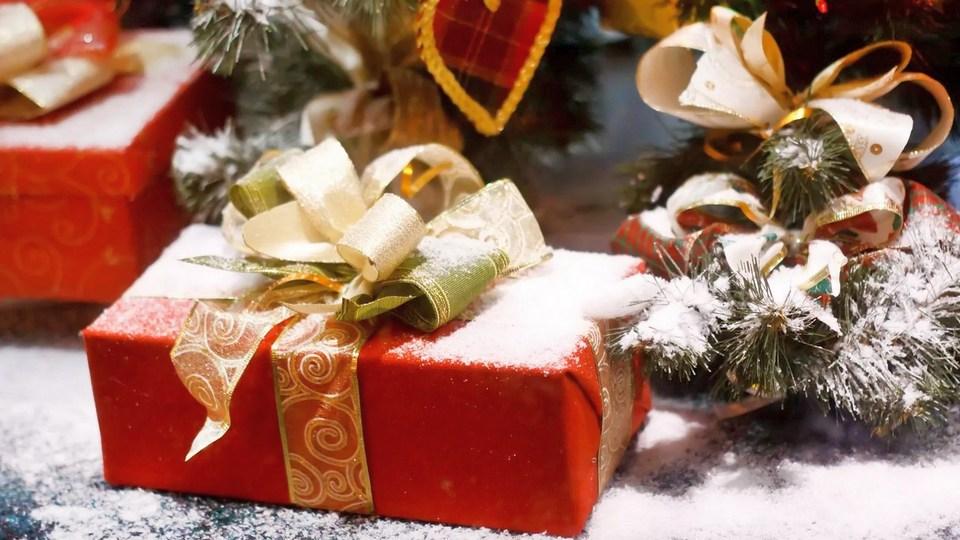 Россияне рассказали о своем отношении к выбору подарков на Новый год
