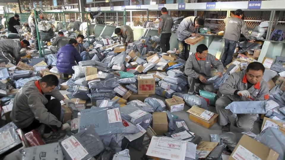 Аэропорт Кольцово в декабре примет 800 тысяч посылок из Китая