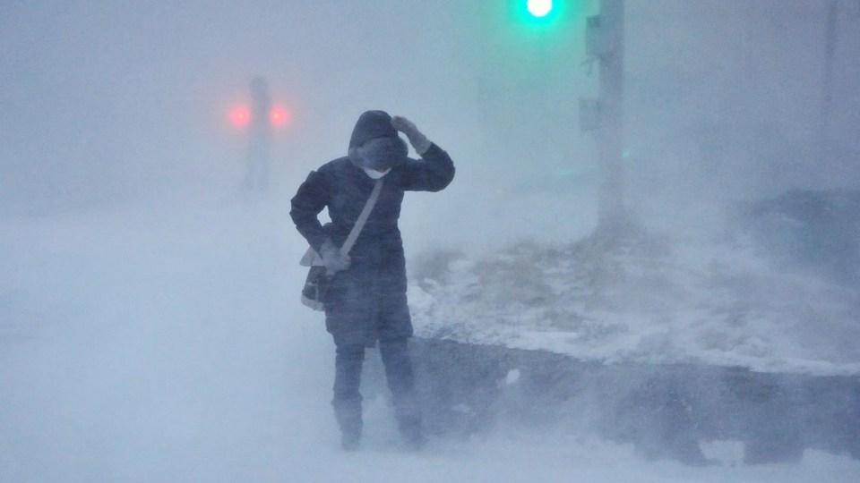 Жителей Сахалина и Курил предупредили о метели и снегопаде