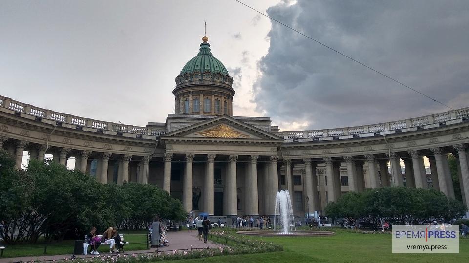 В Петербурге могут ввести полный локдаун из-за коронавируса