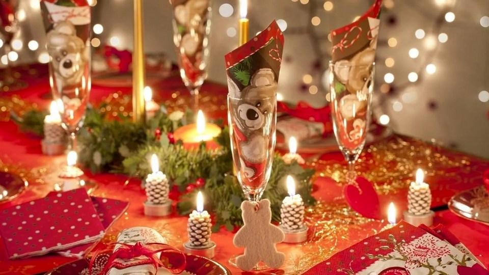 Названа средняя стоимость новогоднего стола россиян