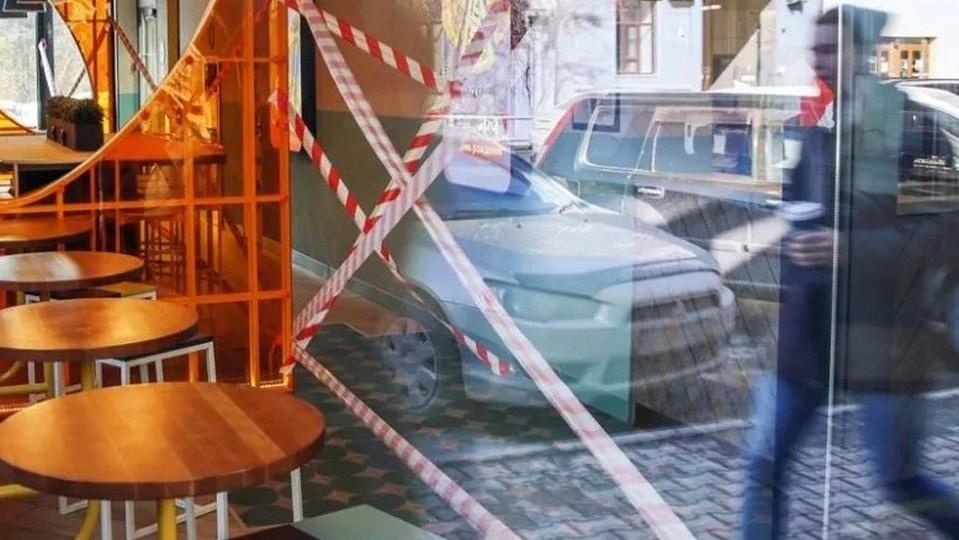 Никакого праздника: кафе и рестораны Петербурга закроют с 30 декабря по 3 января