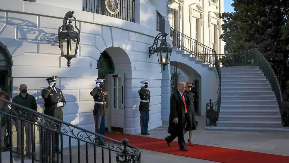 Трамп с женой покинули Белый дом