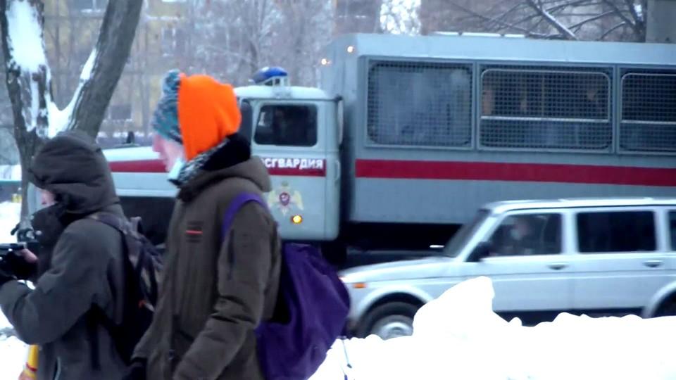Двум жителям Каменска-Уральского вынесены предупреждения в связи с несогласованными акциями протеста