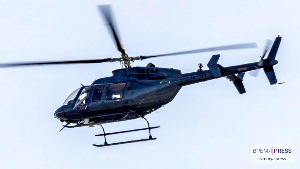 """Над Лос-Анджелесом были замечены """"чёрные"""" вертолёты Bell 407"""