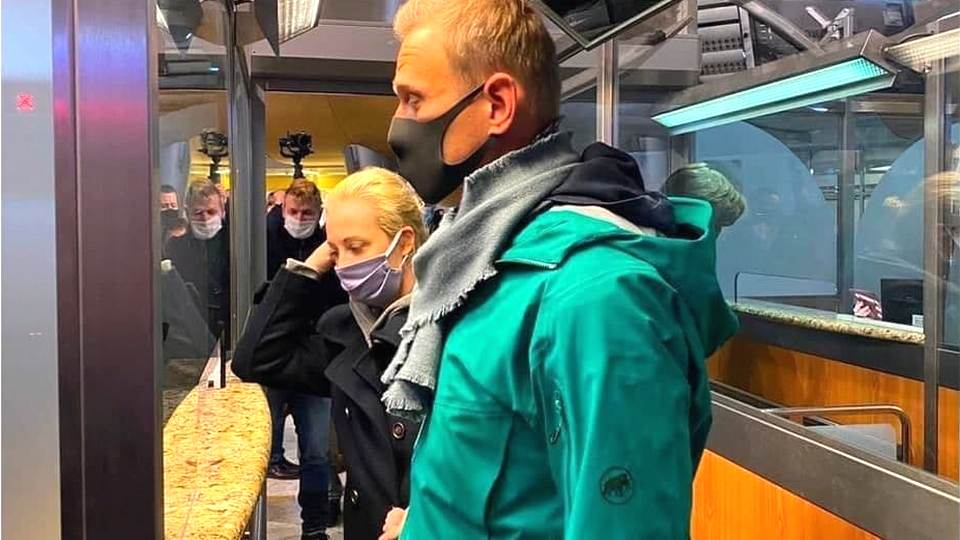 Алексей Навальный задержан в Шереметьево