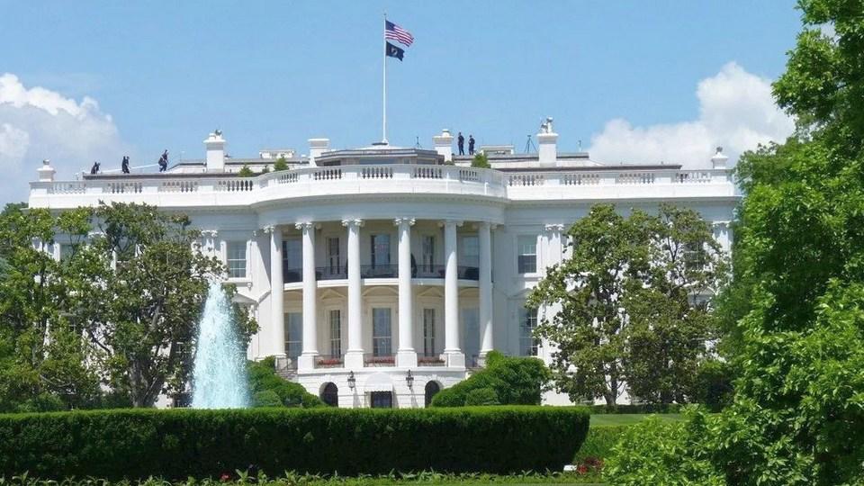 Часть чиновников Белого дома ушли в отставку после протестов в США
